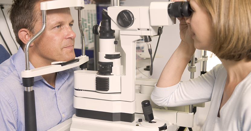 What's the Difference Between an Optometrist and an