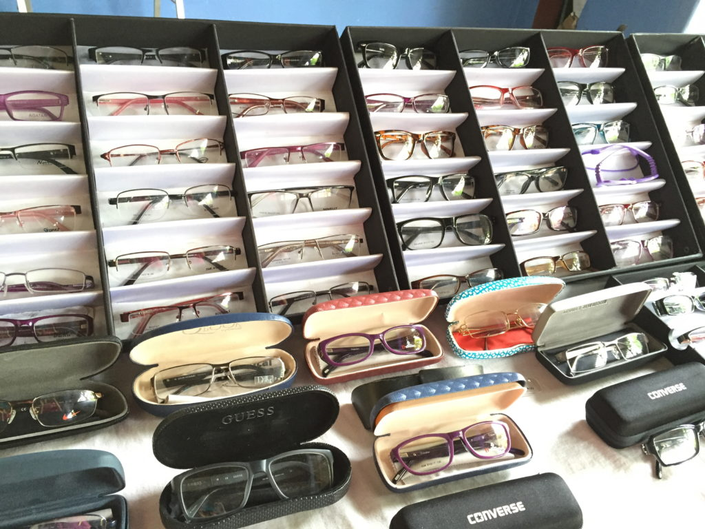 service oriented optometry glasses